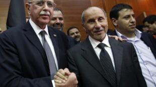 Le premier ministre Abdel Rahim el-Kib ( à gauche).