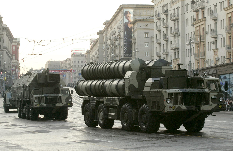 Mísseis S-300, de fabricação russa, podem ser vendidos a curto prazo para o Irã.