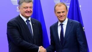 Le président ukrainien Petro Porochenko et le président du Conseil européen Donald Tusk, à Bruxelles le 27 août 2015.