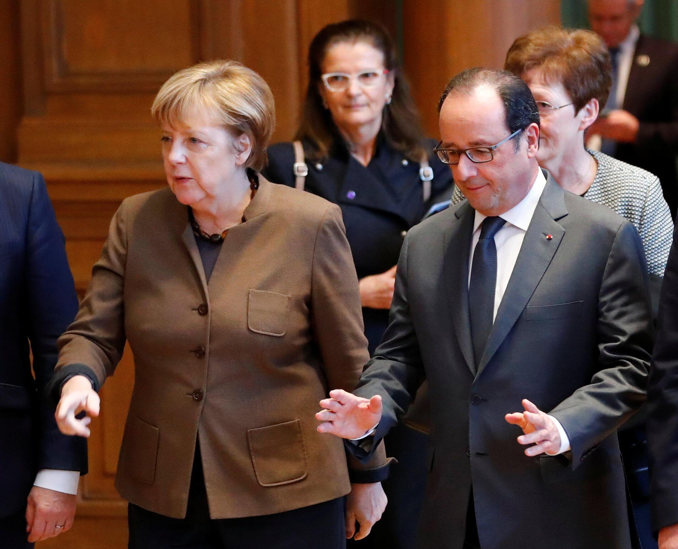 Angela Merkel e François Hollande foram favoráveis ao prolongamento das sanções