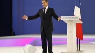 O candidato-presidente Nicolas Sarkozy em seu maior comício até agora, em Villepinte, no último domingo, dia 11 de março de 2012.