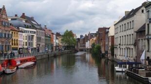 Destino final do trem era cidade de Gand, na Bélgica.
