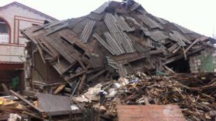 Maison détruite par un missile Grad, Popasne, région de Lougansk, zone, proche de la ligne de front, tenue par l'armée ukrainienne.