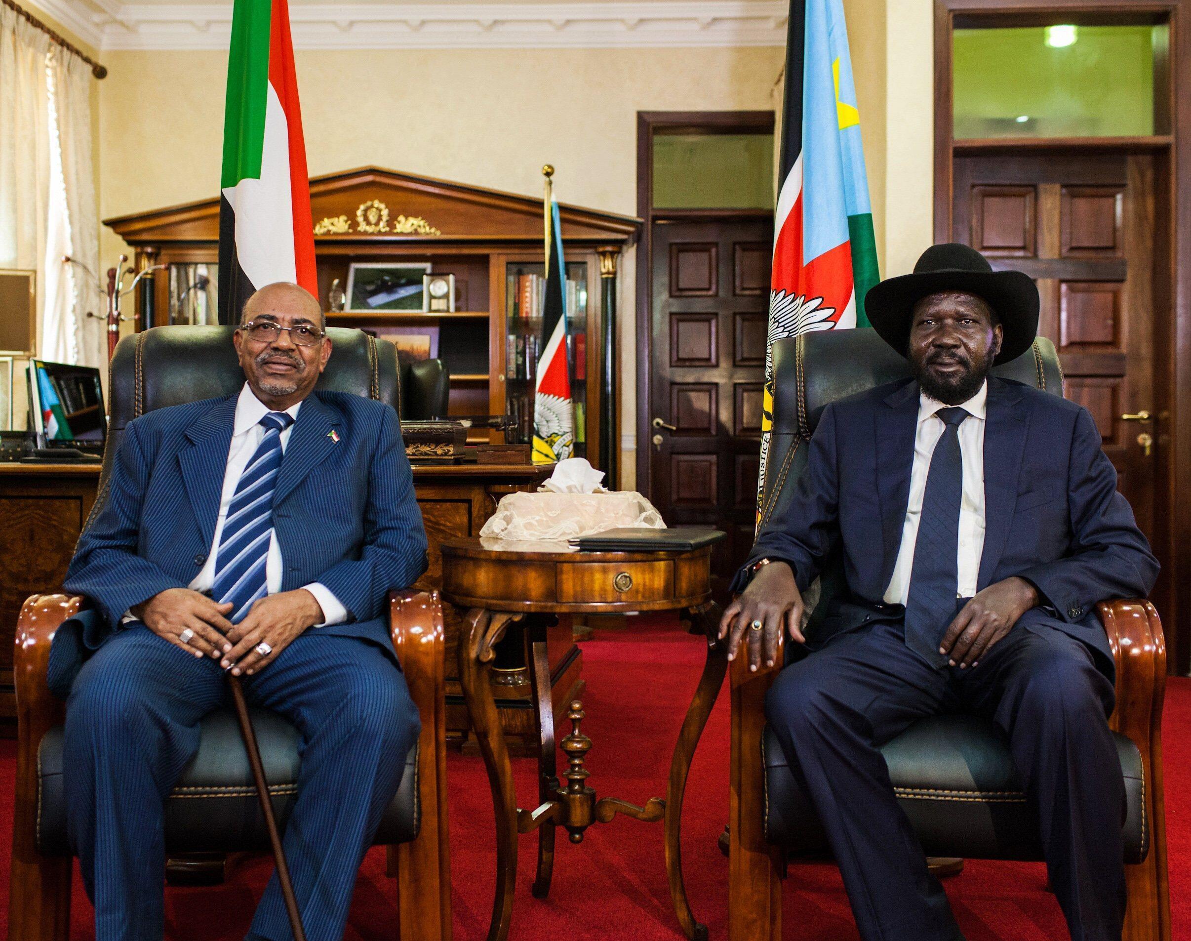 Shugaban Sudan Omar al-Bashir ta takwaransa na Kudu Salva Kiir a fadar shugaban kasa a Juba.