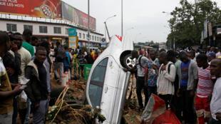 Les dégâts sont importants à Abidjan, mardi 20 juin 2018, après les pluies diluviennes de la veille en Côte d'Ivoire.