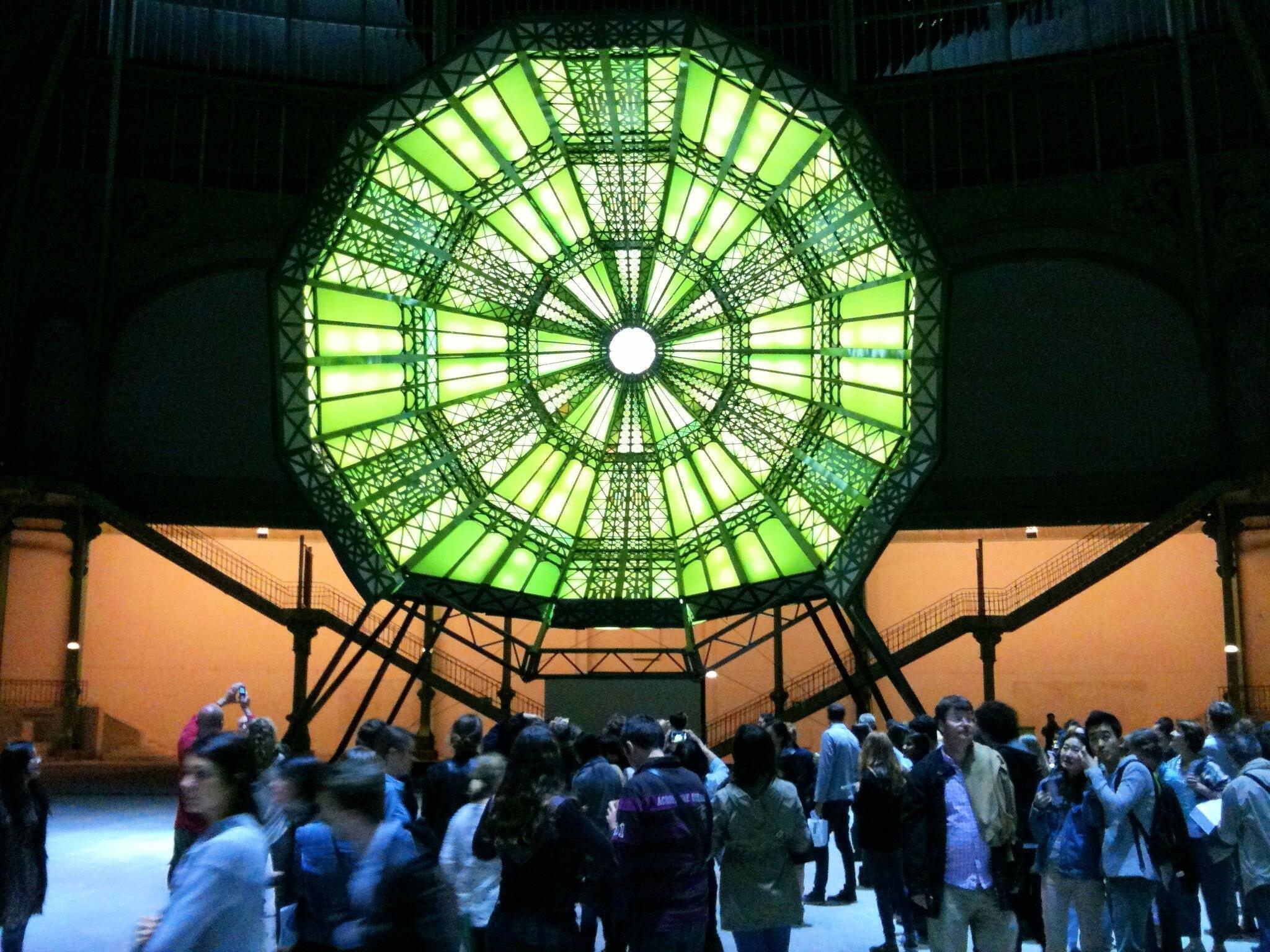 «Монумента 2014» : опрокинутый купол со светомузыкой наполнял пространство Гран-Пале звуками и светом