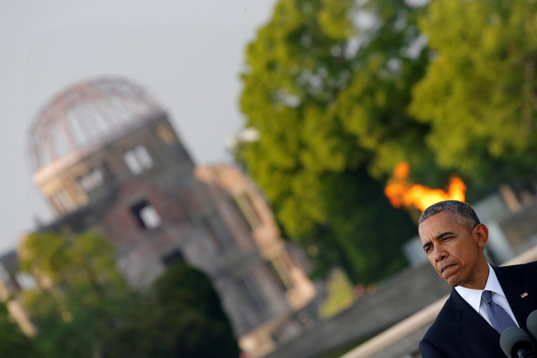 Tổng thống Mỹ Barack Obama tại lễ tưởng niệm nạn nhân vụ thả bom nguyên tử xuống Hiroshima (Nhật Bản). Ảnh chụp tại Hiroshima ngày 27/05/2016