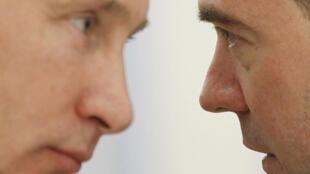 В. Путин и Д. Медведев в резиденции в Горках 25/11/2011