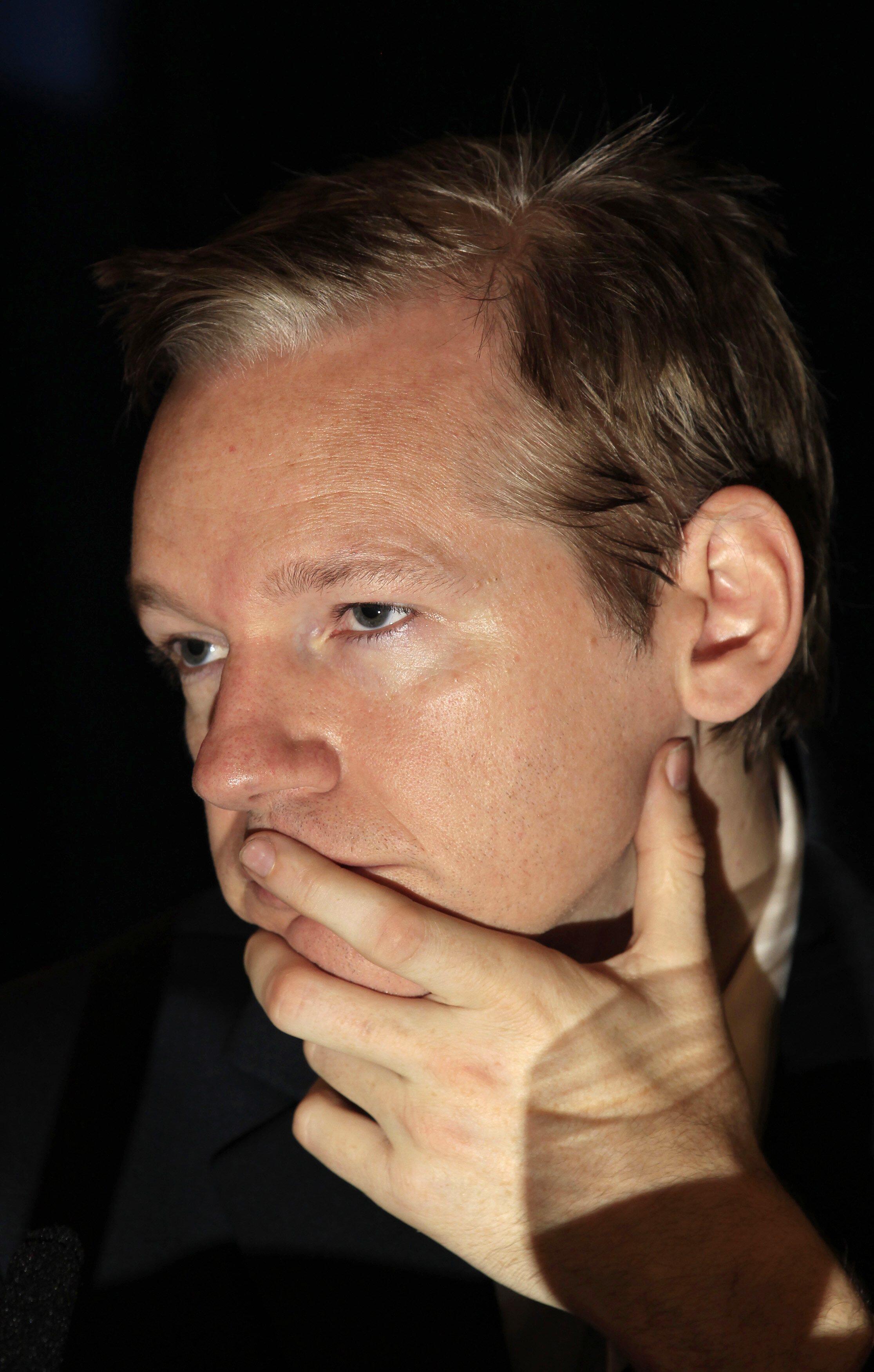 Julian Assange shugaban shafin Wikileaks mai wallafa bayanan sirri da ya samu