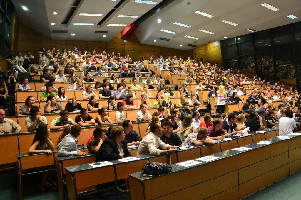 دانشجویان در مجارستان
