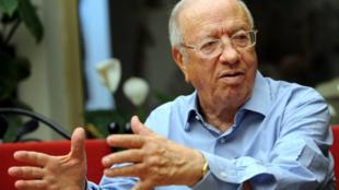 En vue du second tour de l'élection présidentielle tunisienne, le candidat Caïd Essebsi devrait tenir un discours «anti troïka».