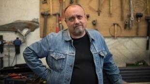 Rémi De Vos, spécialiste du théâtre de l'absurde.