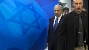Le Premier ministre Benyamin Netanyahu arrive à la réunion hebdomadaire du cabinet, le 23 novembre.