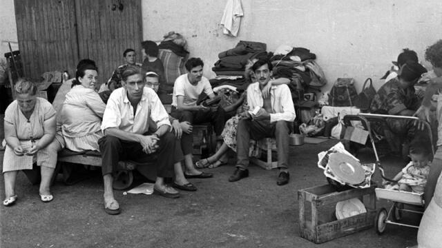 Pieds-Noirs refugees in the Algerian port of Oran, waiting to board a ship to France, after Algeria the independence referendum of 1 July 1962.