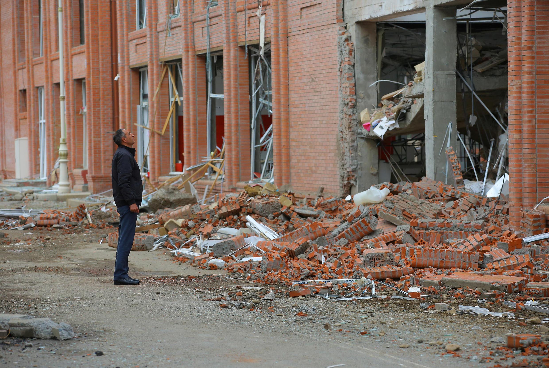 Последствия бомбардировки города Гянджа в Азербайджане. 6 октября 2020 г.