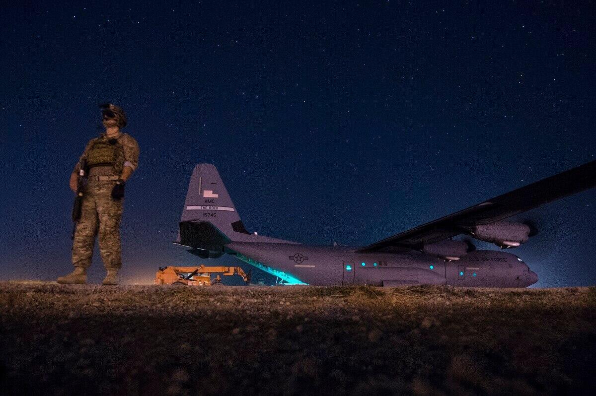 Un avion cargo américain en Somalie, en 2017.