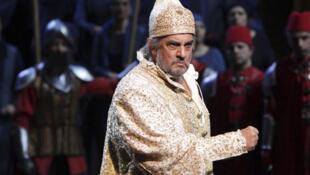 Le ténor espagnol Placido Domingo lors d'une répétition au théâtre de la Scala de Milan, le 14 avril 2010.