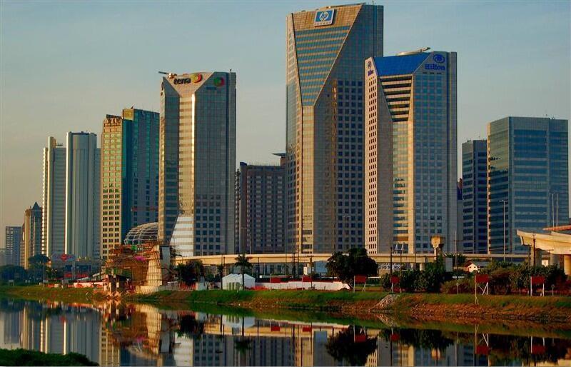 Vista de centro empresarial na Marginal Pinheiros, em São Paulo.