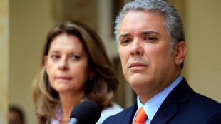 El presidente electo de Colombia, Iván Duque, con la próxima vice presidenta, María Lucía Ramirez. Bogotá, 21 de junio de 2018.