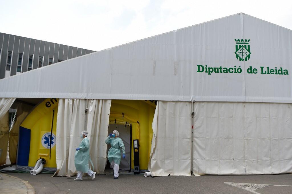 Equipe médica do hospital de Lérida, na Catalunha (13/07/20).