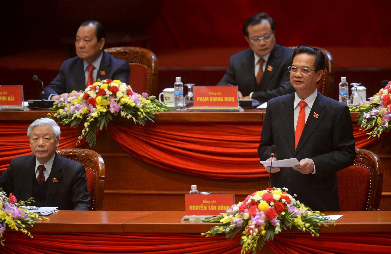Ông Lê Thanh Hải (hàng thứ 2, bên trái) trong Đại hội Đảng 12, ngày 21/01/2016 tại Hà Nội.