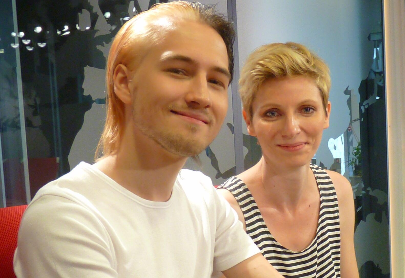Uwe Arndt y Amlexandra Manginot en los estudios de RFI