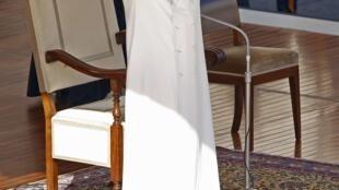 Papa despede-se dos fiéis nesta quarta-feira, 27, na praça São Pedro