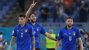 La joie du milieu de terrain italien Manuel Locatelli, auteur de deux buts contre la Suisse, battue 3-0, lors de l'Euro 2020, le 16 juin 2021 au Stadio Olimpico à Rome