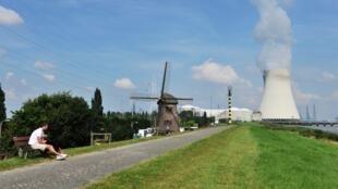 Central nuclear de Doel, no norte da Bélgica.