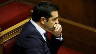 Le Premier ministre grec Alexis Tsipras, le 27 juin 2015 au Parlement d'Athènes.