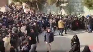 تجمع اعتراضی در دانشگاه بهشتی و علامه