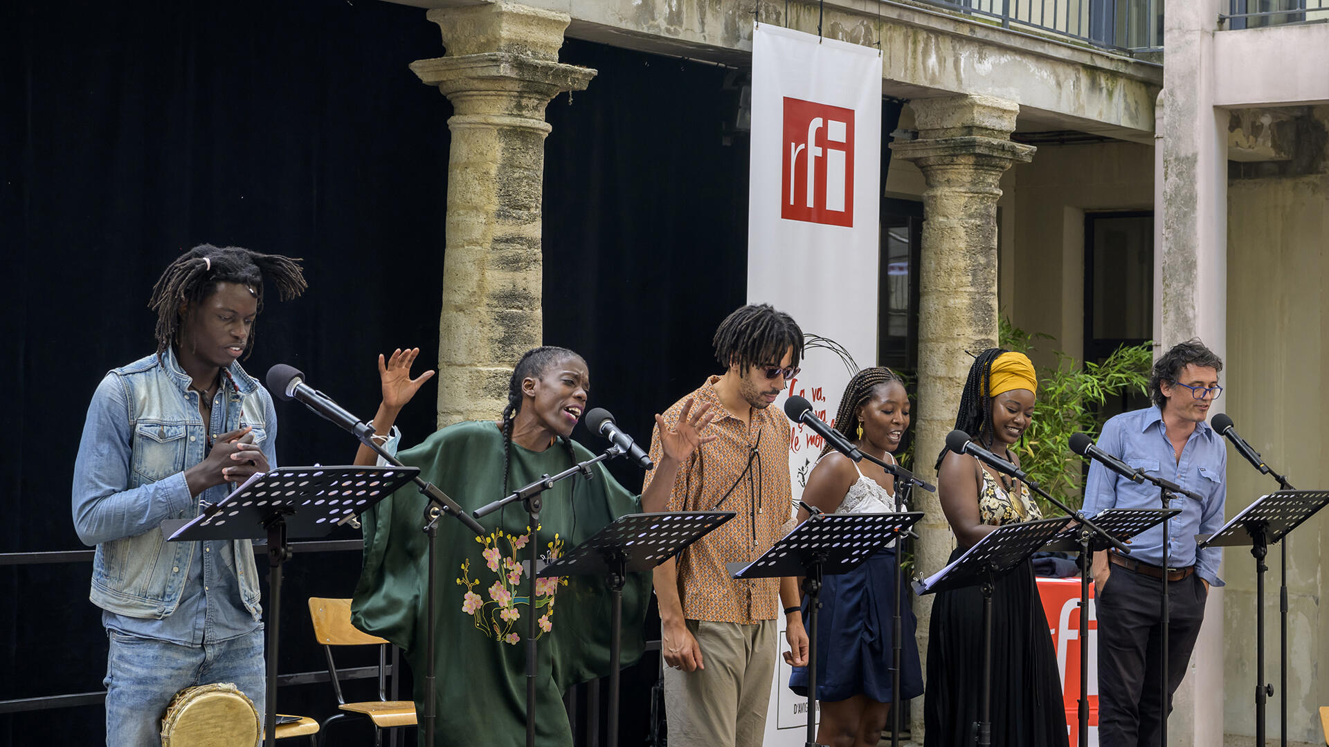 Ça va ça va le monde_Nuit de veille_001_ Ibrahima Diokine Sambou, Sophie Senecaut, Tom Adjibi, Aminata Abdoulaye, Babetida Sadjo, Vincent Minne