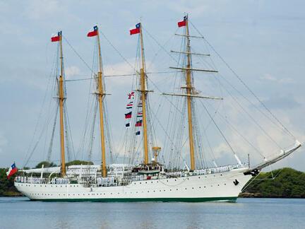 Chilean school navy ship, Esmeralda