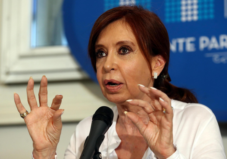 Cựu tổng thống Achentina Cristina Fernandez de Kirchner trong một cuộc họp báo tại thủ đô Buenos Aires, ngày 07/12/2017