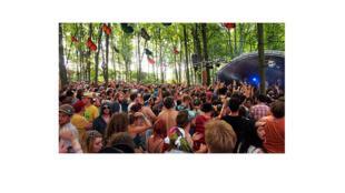 La Grosse Lanterne organise une party dans les bois avec Radio Radio, Boogat, Alaclair Ensemble, Suuns, etc.