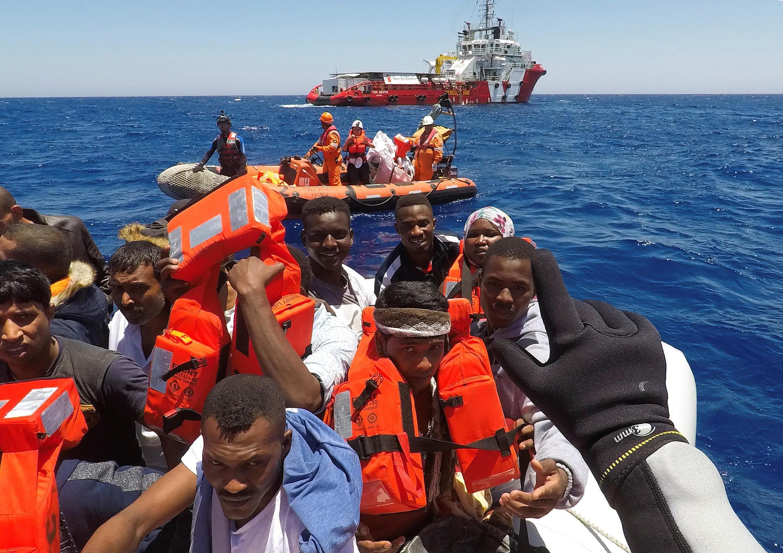 Comme MSF ou Sea Eye, l'ONG « Save the Children »  suspend ses activités de secours aux migrants en Méditerranée.