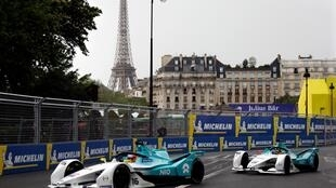 Считается, что именно в Париже у главы Международной автомобильной федерации Жана Тодта и испанского бизнесмена Алехандро Агага возникла идея соревнований на электромобилях