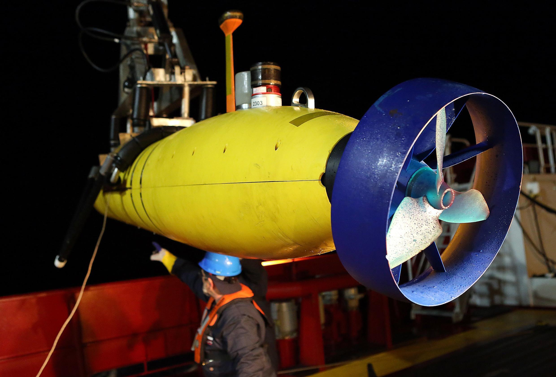 យានមុជទឹកគ្មានមនុស្សបើក ឈ្មោះ Bluefin-21 ដែលកំពុងស្វែងរកបំណែកយន្តហោះ MH370 នៅបាតសមុទ្រ