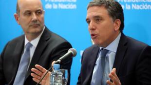 El ministro de Hacienda Nicolás Dujovne y el presidente del Banco Central argentino Federico Sturzenegger, el jueves 7 de junio de 2018.