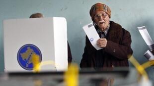 Eleições no Kosovo, os primeiros resultados oficiais são esperados na noite desta segunda-feira.