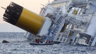 Спасители продолжают работы на Costa Concordia, 15 января 2012 года