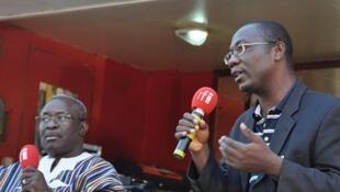 Moise Traoré, membre du bureau exécutif du CDP et Augustin Loada, , Professeur de droit public et de science politique, co-initiateur de la pétition contre la révision de l'article 37 de la constitution