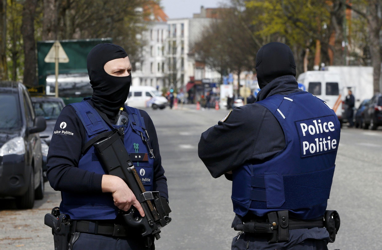 Cảnh sát Bỉ trong một chiến dịch đảm bảo an ninh, ngày 09/04/2016 tại Etterbeeck, ngoại ô Bruxelles.