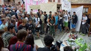 Residents of Hervé Gourdel's village, Saint-Martin-Vésubie, pay tribute to him after his murder