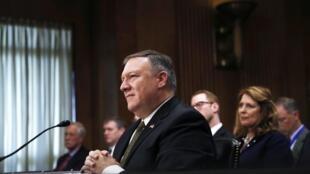 Ông Mike Pompeo cuộc điều trần trước Ủy Ban Đối Ngoại Thượng Viện Hoa Kỳ, ngày 12/04/2018.