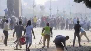 Face-à-face au Caire, dans le centre-ville, le 22 juillet 2013.