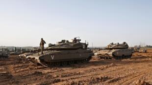 تانک های اسرائیلی در اطراف غزه