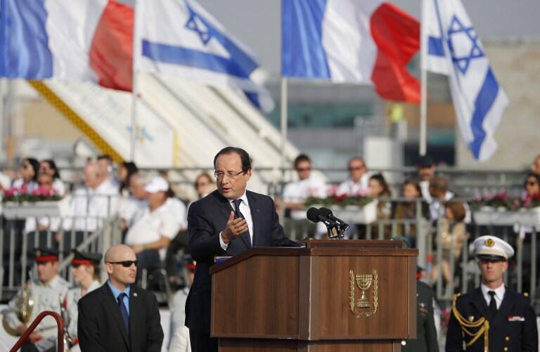 Tổng thống Pháp François Hollande tại phi trường quốc tế Ben Gourion, Tel Aviv, ngày 17/11/2013