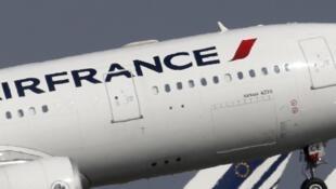 En vísperas de la huelga de pilotos, un Airbus A330 de Air France despega del aeropuerto Charles-de-Gaulle, 14 de septembre de 2014.