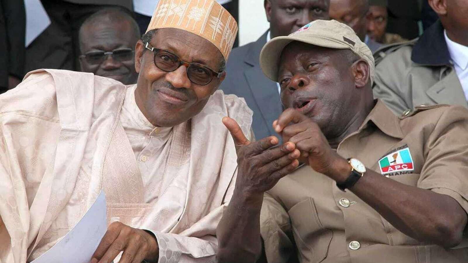 Shugaba  Muhammadu Buhari tare da shugaban jam'iyyar APC Adams Oshiomhole